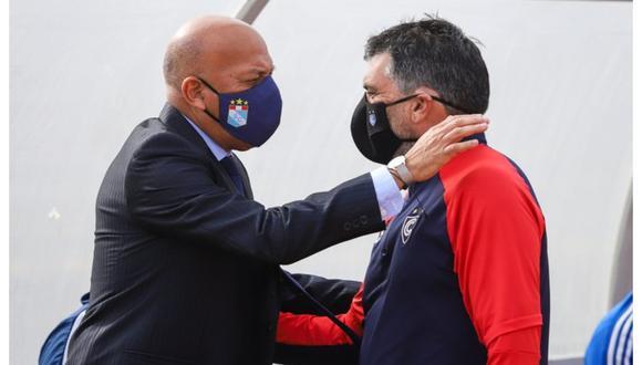 Las disculpas de Roberto Mosquera hacia Gerardo Ameli. (Foto: Liga 1)