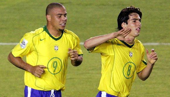 Kaká y Ronaldo fueron campeones con Brasil en el Mundial 2002. (Foto: AFP)