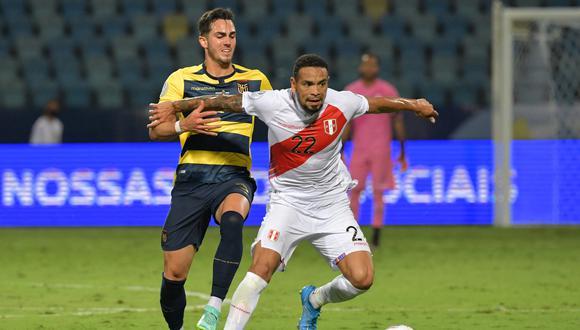 Alexander Callens llega para los cuartos de final de la Copa América 2021. (Photo by NELSON ALMEIDA / AFP)