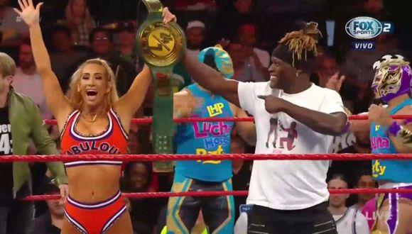 Carmella celebrando su nueva título 24/7 junto a R-Truth. (Foto: WWE)