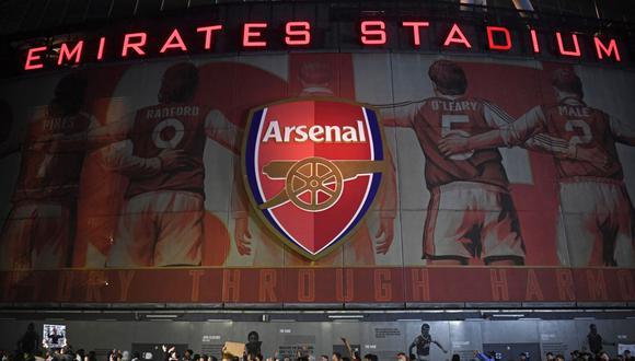 Los hinchas de Arsenal se mostraron en contra de los directivos tras el intento por pertenecer a la Superliga. (Foto: AFP)