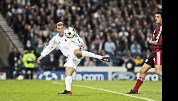 Zinedine Zidane anotó el gol que le dio el noveno título de Champions al Real Madrid. (Agencias)