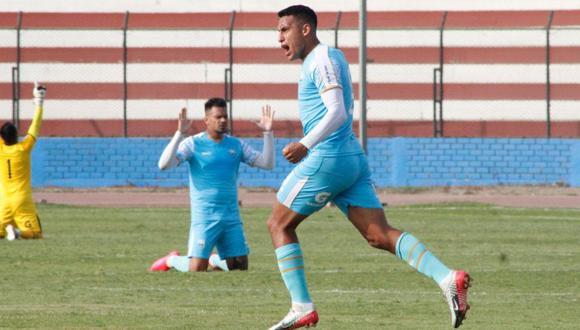 Alex Valera usa el GPS de la Selección Peruana. (Foto: Radio Ovación)