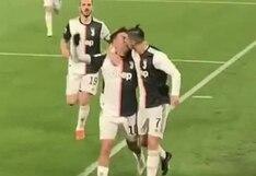 Sin querer queriendo: el beso de Cristiano Ronaldo con Paulo Dybala en festejo de gol que es sensación en redes