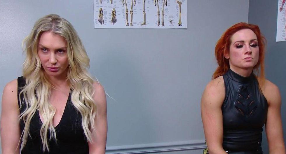 Charlotte Flair y Becky Lynch aceptaron pelear contra Asuka y Kairi Sane en el evento TLC. Será un combate de mesas, sillas y escaleras. (Foto: WWE)