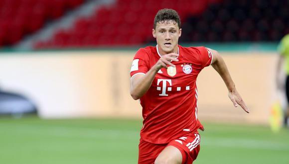 Bayern Múnich confirmó la lesión del francés Benjamin Pavard previo al duelo con Chelsea por la Champions League. (Foto: EFE)