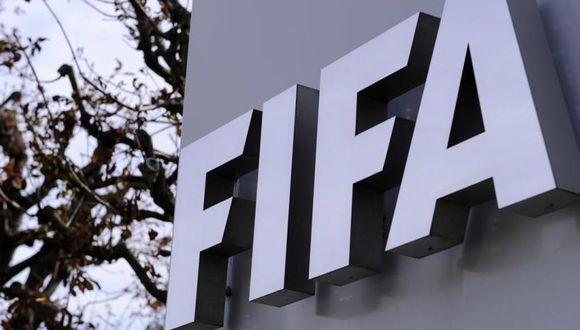 FIFA también suspendió el inicio de las Eliminatorias a Qatar 2022. (FIFA)