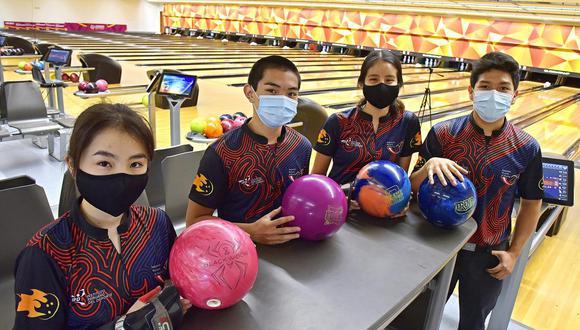 Sophie Oshiro, Mitsuhide Higashionna, María José Belleza Rojas y Frank de la Sotta son nuestros representantes en Bowling. (Foto: Legado)