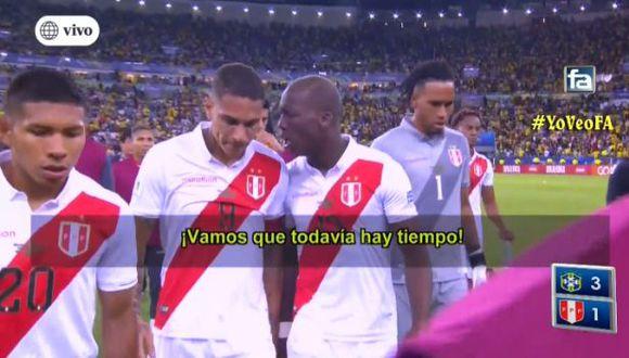 Las palabras de Luis Advíncula a Paolo Guerrero tras el segundo gol de Brasil. (Captura)