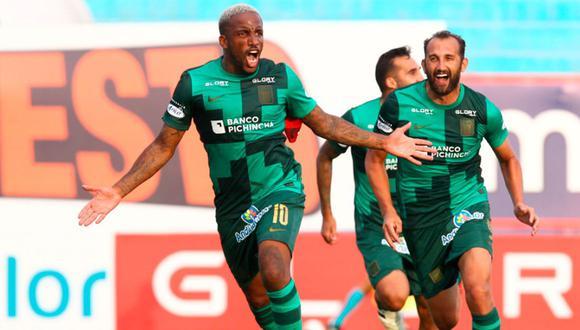 Jefferson Farfán hasta el momento registra 302 minutos con Alianza Lima. (Foto: Prensa Alianza Lima)