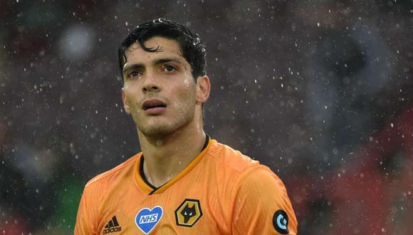 Raúl Jiménez es considerado una estrella en el Wolverhampton, club al que llegó procedente del Benfica (Foto: AFP).