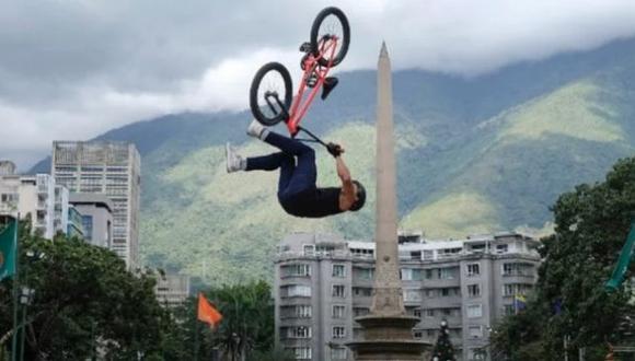 Roban bicicleta a ciclista venezolano de BMX en la Villa Olímpica de Tokio 2020. (Instagram)