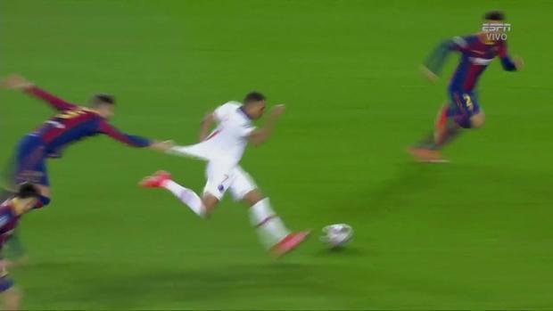 La atracción de Piqué por Mbappé que se volvió viral.  (Captura: ESPN)