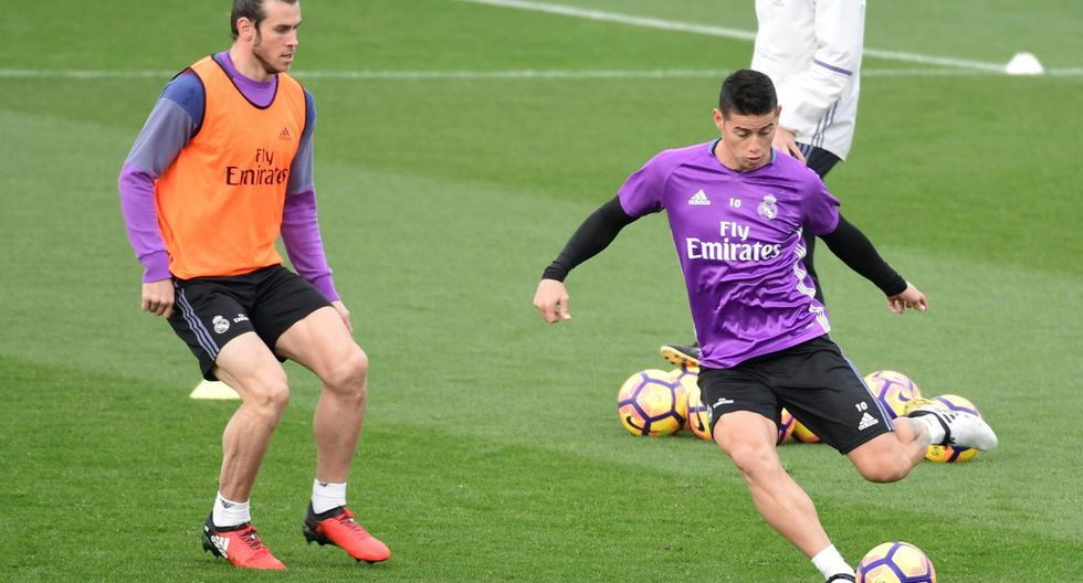 Gareth Bale y James Rodríguez quedaron fuera la última lista de convocados del Real Madrid por la Champions League. (Foto: AFP)