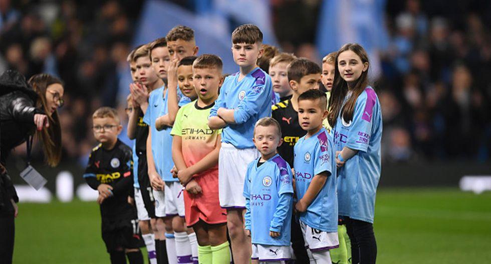 Niños pagan más de 800 euros para ser 'mascotas' de Premier League. (Getty)