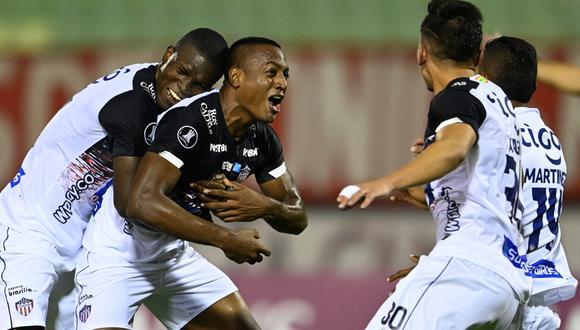 Junior se llevó un triunfo valioso en su visita a Caracas con goles de Ditta y Borja. (Foto: AFP)