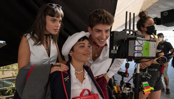 """En las imágenes se ve a los actores de """"Élite"""" disfrutando de su compañerismo. (Foto: Twitter / @Netlfix)."""