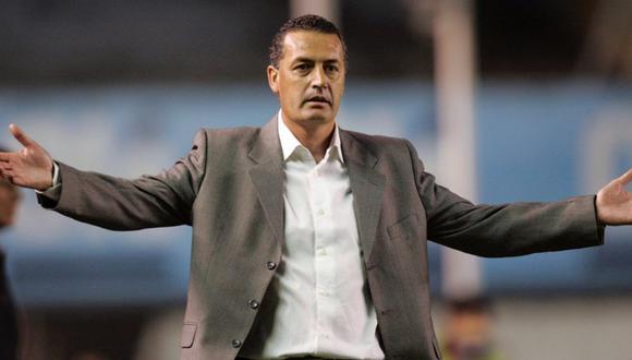 La reacción de los hinchas de Huracán en Twitter por la renuncia de Gustavo Alfaro. (Foto: Reuters)