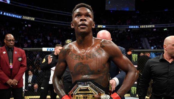 Israel Adesanya ganó el título de peso medio en el UFC 243 (en 2019) tras vencer al australiano Robert Whittaker. (Foto: Getty Images)