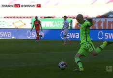 Quiso dárselas de canchero y todo terminó en un 'blooper' de escándalo en la Bundesliga [VIDEO]