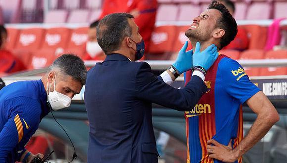 Sergio Busquets no pudo terminar el partido frente a Atlético de Madrid.
