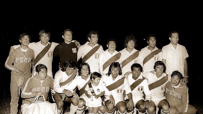 Formación del equipo campeón de la Copa América 1975. Selección peruana, (Foto: GEC Archivo Histórico)