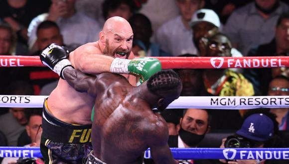 Tyson Fury venció a Deontay Wilder en la trilogía en Las Vegas. (Twitter)