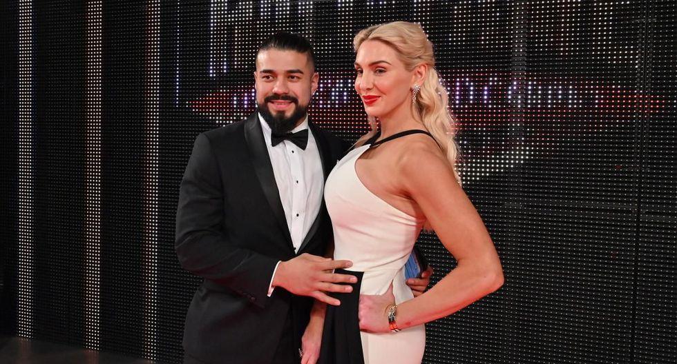 Andrade y Charlotte Flair comenzaron su relación a inicios del 2019. (WWE)