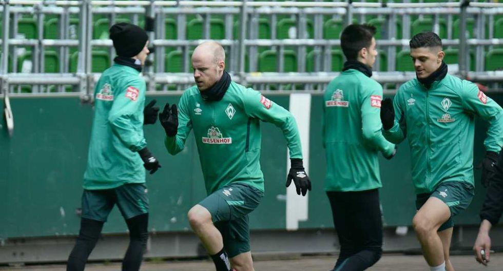 Un jugador del Werder Bremen enviado a hacer cuarentena por el positivo de una persona cercana a su círculo privado. (Foto: @werderbremenES)