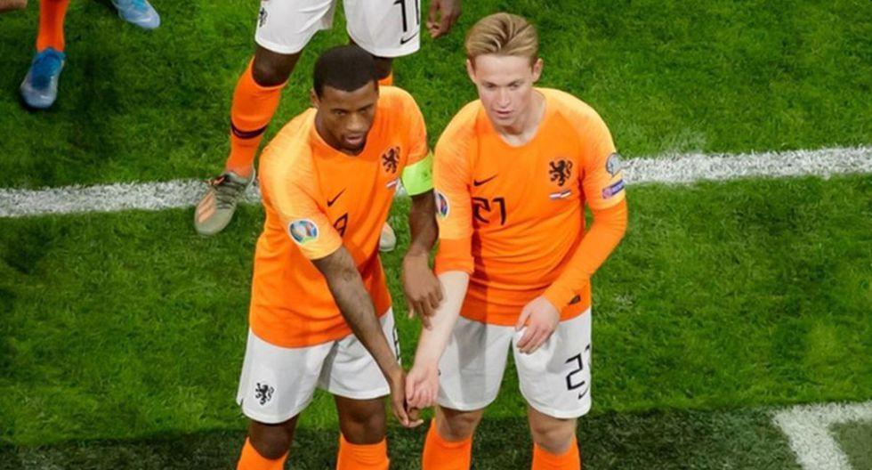 Los clubes neerlandeses que no adopten medidas contra el racismo perderán puntos en la Eredivisie.