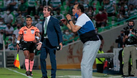 Guillermo Almada firmó como entrenador de Santos Laguna en abril de 2019 (Foto: Getty Images)