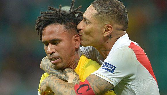 Esta imagen se hizo viral en el continente. Paolo Guerrero felicitando a Pedro Gallese tras clasificar a cuartos de final de la Copa América.