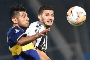 Boca Juniors: Carlos Zambrano destaca en Argentina