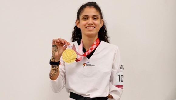 Angélica Espinoza luce la medalla de oro que le dio al Perú. (Foto: IPD)