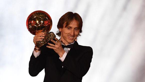 Modric ganó el Balón de Oro y puso fin al duopolio de Messi y Cristiano de los últimos 10 años. (AFP)
