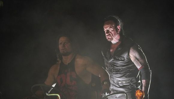 The Undertaker venció a AJ Styles en el 'Boneyard match'. (Foto: WWE)