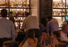 Dueño de restaurante expresa que no aceptará políticos en su local con polémico cartel