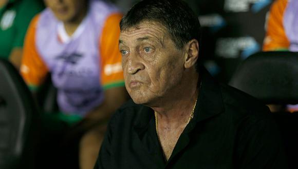 Julio César Falcioni dirige a Independiente de Avellaneda. (Foto: Getty)
