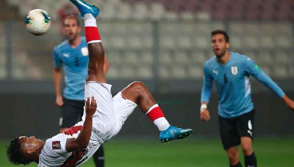 Renato Tapia fue considerado en el once ideal de los hinchas. (Foto: FPF)