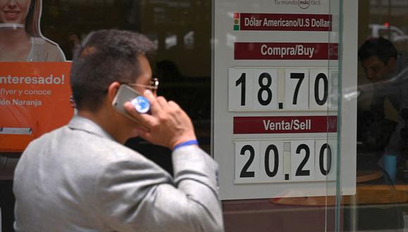 El tipo de cambio operaba al alza en el mercado de México sin muchos cambios respecto al cierre previo. (Foto: AFP)