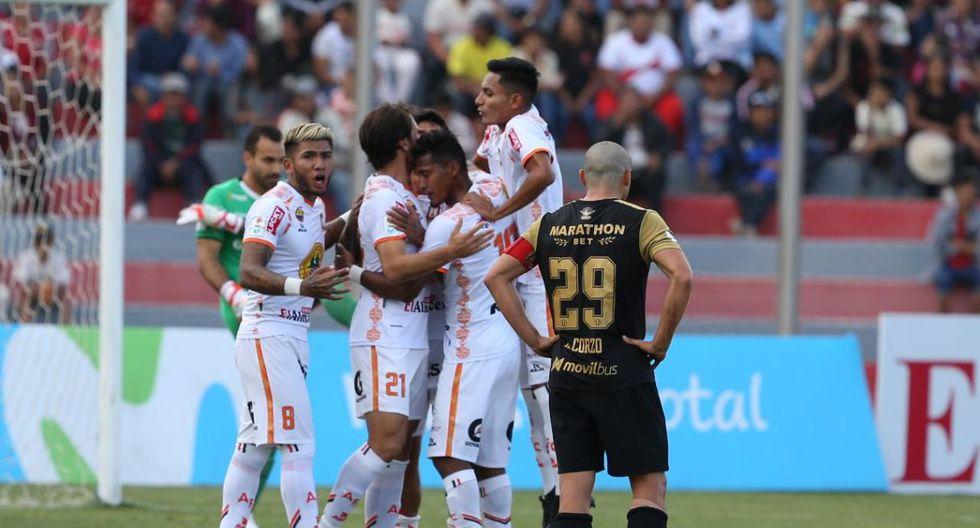 Universitario vs. Ayacucho chocaron por la Liga 1, en el estadio Ciudad de Cumaná. (Foto: Violeta Ayasta)