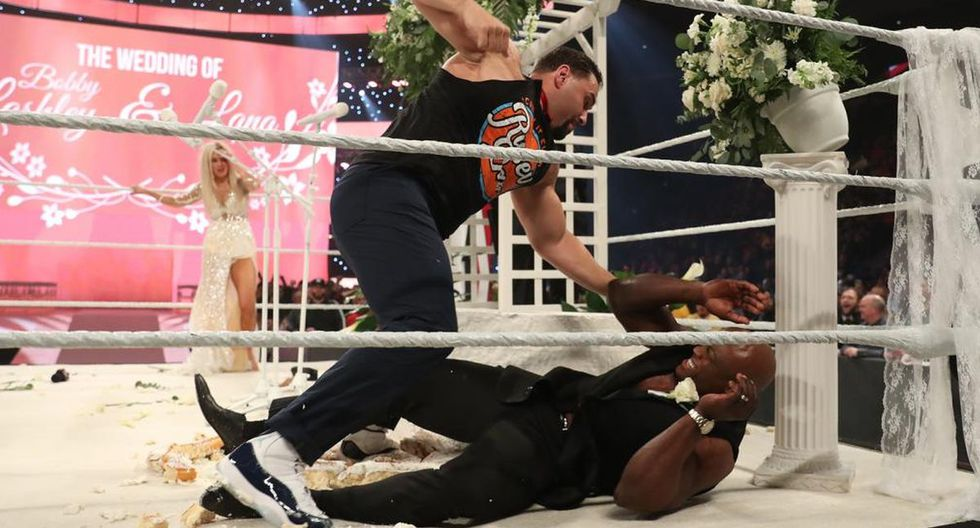 La boda entre Bobby Lashley y Lana no se realizó porque fue interrumpida por Rusev y Liv Morgan. (Foto: WWE)