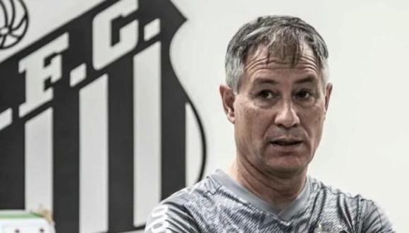Ariel Holan renunció a la dirección técnica del Santos FC. Los hinchas del equipo brasileño presionaron su salida. (Foto: Twitter)