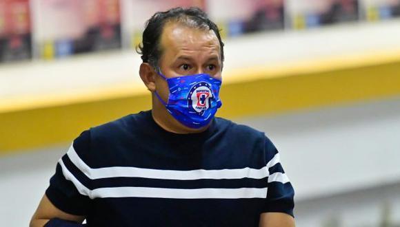 Juan Reynoso ya tiene dos títulos al mando de Cruz Azul. (Foto: Cruz Azul)