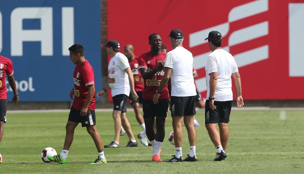 Advíncula se incorporó a los entrenamientos de la selección peruana. (Foto: Depor / Jesús Saucedo).
