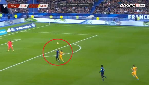 Lenglet y el erro que le costó el 1-0 en el Francia vs. Moldavia. (Captura/Youtube)