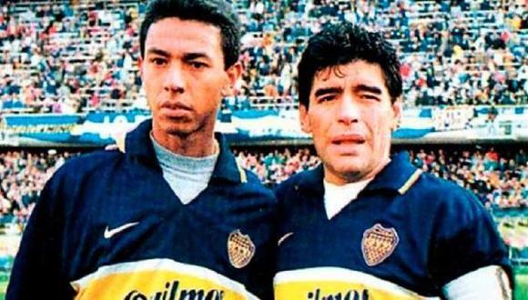 Diego Maradona y Nolberto Solano jugaron juntos en Boca Junios, en 1997 (Foto:difusión)