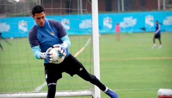 Renato Solís se ganó su lugar en el once titular de Roberto Mosquera en el 2020. (Foto: Prensa SC)