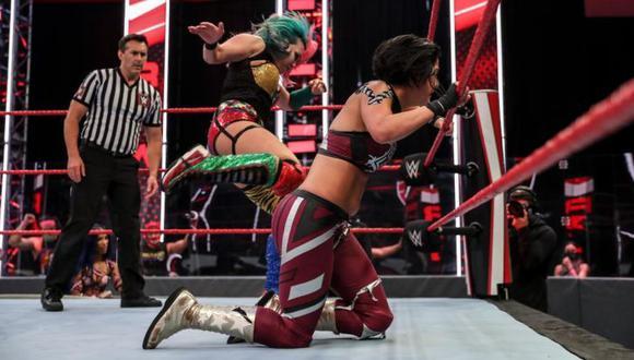 Asuka derrotó a Bayley en un duelo de campeonas en el evento estelar del RAW. (WWE)