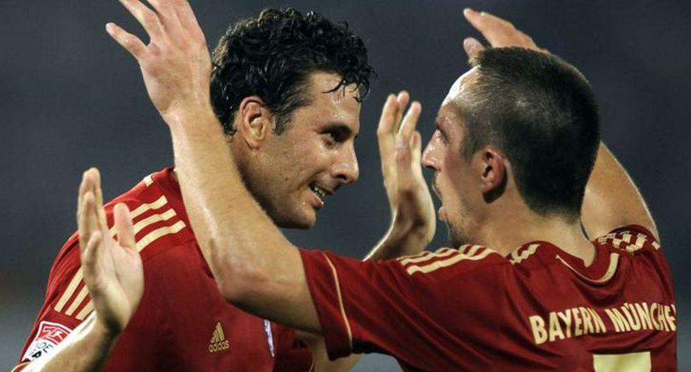 Claudio Pizarro con Franck Ribéry. (Foto: Difusión)